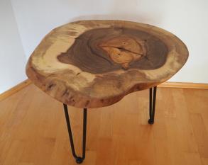Hocker Nussbaum